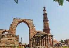Ruinas de Qutub Minar, Nueva Deli, la India imagen de archivo