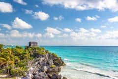 Ruinas de Tulum y mar del Caribe imagen de archivo libre de regalías