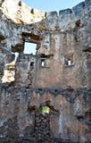Ruinas de un castillo viejo Imagenes de archivo