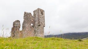 Ruinas de un castillo viejo Imágenes de archivo libres de regalías