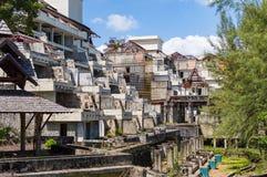 Ruinas de un hotel abandonado viejo destruido por los merodeadores Isla de Phuket, Tailandia Fotos de archivo
