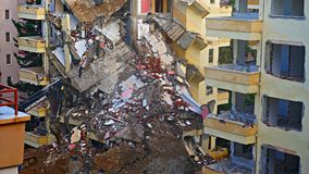 Ruinas de un hotel abandonado viejo destruido por los merodeadores Isla de Phuket, Tailandia Foto de archivo libre de regalías