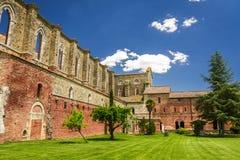 Ruinas de un monasterio viejo en Toscana Fotografía de archivo libre de regalías