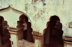 Ruinas del arco del palacio del maratha del thanjavur Imagen de archivo libre de regalías