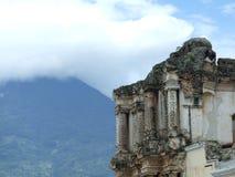 Ruinas del Carmen en Antigua Foto de archivo libre de regalías