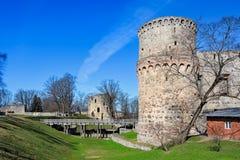 Ruinas del castillo de Cesis, Letonia Imagenes de archivo