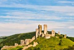 Ruinas del castillo de Corfe imagenes de archivo