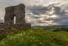 Ruinas del castillo de Dunnideer Fotos de archivo libres de regalías