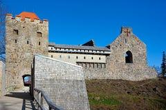 Ruinas del castillo de Sigulda Foto de archivo libre de regalías