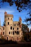 Ruinas del castillo gótico hermoso imagen de archivo