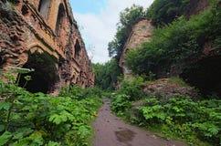 Ruinas del fortalecimiento del fuerte de Tarakanivskiy, monumento arquitectónico del siglo XIX Tarakaniv, oblast de Rivne, Ucrani foto de archivo libre de regalías