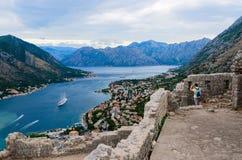 Ruinas del fuerte de Illyrian sobre la bahía de Kotor, Montenegro Foto de archivo