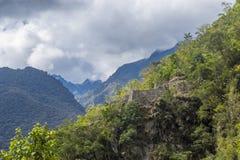 Ruinas del inca cerca de Machu Picchu Cuzco Perú Foto de archivo libre de regalías