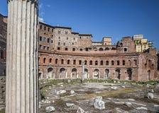 Ruinas del mercado del Trajan en Roma imágenes de archivo libres de regalías