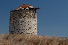 Ruinas del molino de viento viejo en el pueblo de Kefalos en la isla de Kos, Gree Fotografía de archivo