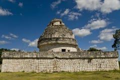 Ruinas del observatorio en Chichen Itza México Foto de archivo libre de regalías