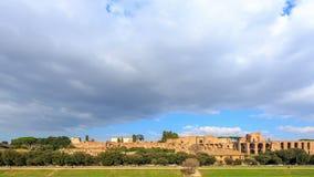Ruinas del palacio de la colina de Palatine en Roma, Italia tim almacen de video
