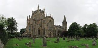 Ruinas del palacio y de la abadía de Dunfermline en Escocia imágenes de archivo libres de regalías