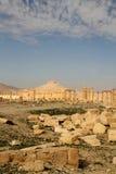 Ruinas del Palmyra y del castillo de Qala'At Ibn Maan Fotografía de archivo libre de regalías