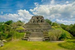 Ruinas del sitio del maya de Xunantunich en Belice foto de archivo