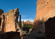 Ruinas del teatro antiguo en Taormina, Sicilia, AIE Fotos de archivo