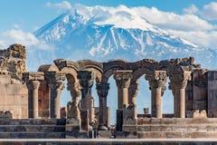 Ruinas del templo de Zvartnos en Ereván, Armenia foto de archivo