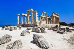 Ruinas del templo en la isla Aegina, Grecia Foto de archivo libre de regalías