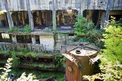 Ruinas demasiado grandes para su edad abandonadas de destruido por la central eléctrica de Tkvarcheli Tquarhcal de la guerra, Abj Fotos de archivo