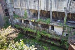 Ruinas demasiado grandes para su edad abandonadas de destruido por la central eléctrica de Tkvarcheli Tquarhcal de la guerra, Abj Fotografía de archivo libre de regalías