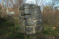 Ruinas en el parque viejo Foto de archivo libre de regalías