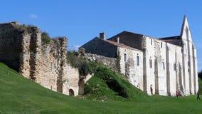 Ruinas en el sitio de la abadía y de la catedral anteriores de Maillezais Erance, Foto de archivo libre de regalías