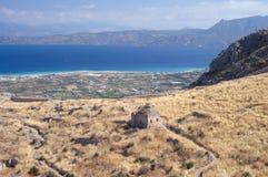 Ruinas en la acrópolis de Corinth Foto de archivo libre de regalías