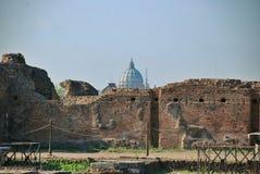 Ruinas en la colina de Palatine en Roma, Italia Imágenes de archivo libres de regalías