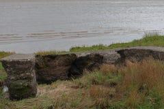 Ruinas en la costa foto de archivo