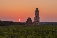 Ruinas en puesta del sol Fotos de archivo libres de regalías