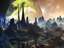 Ruinas extranjeras de la ciudad en el planeta lejano Foto de archivo libre de regalías