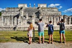 Ruinas mayas en Chichen-Itza, México Foto de archivo