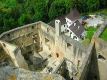 Ruinas medievales del castillo en Karlstejn, República Checa Imagenes de archivo