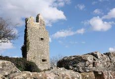 Ruinas medievales del castillo en Kuessaberg Imagen de archivo libre de regalías