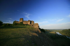 Ruinas medievales viejas de la fortaleza en Transilvania Fotografía de archivo