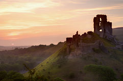 Ruinas mágicas del castillo de la fantasía romántica Foto de archivo libre de regalías