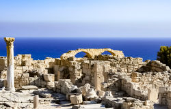 Ruinas por el mar foto de archivo