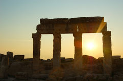 Ruinas por puesta del sol Foto de archivo libre de regalías