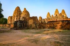Ruinas pre del templo del Khmer de Rup, brillo de Siem Reap, Camboya rojizo en sol de la mañana fotografía de archivo libre de regalías