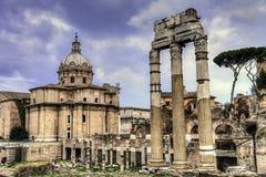 Ruinas romanas antiguas en el Fori Imperiali, Roma Foto de archivo