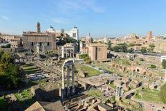 Ruinas romanas del foro en Roma Imagenes de archivo