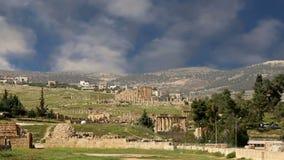 Ruinas romanas en la ciudad jordana de Jerash Gerasa de la ciudad de la antigüedad, capital y más grande del Governorate de Jeras metrajes