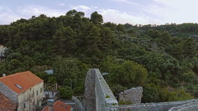 Ruinas romanas en la isla Mljet, mosca encima Imagen de archivo