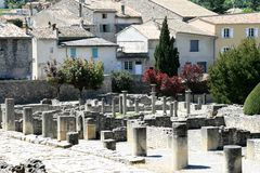 Ruinas romanas en la Provence francesa imágenes de archivo libres de regalías