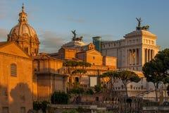 Ruinas romanas en Roma, capital de Italia Imagen de archivo libre de regalías